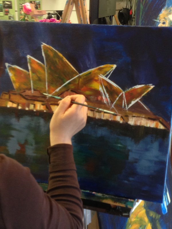 Paint the 8th wonder of the world, the iconic Sydney Opera House, in this lesson at Inglis Academy, Shop 7/7-11 Clarke St. Crows Nest.